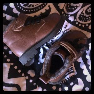 Carters Baxter Toddler Boots Size 5